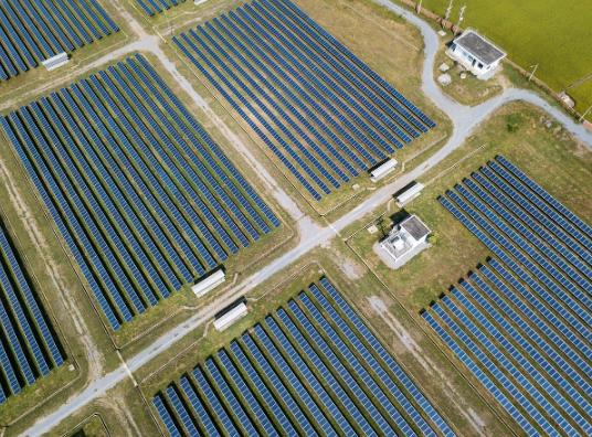 Energias renovables y no renovables solar