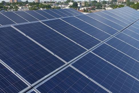 ¿Cuáles son las ventajas y desventajas de los paneles solares?